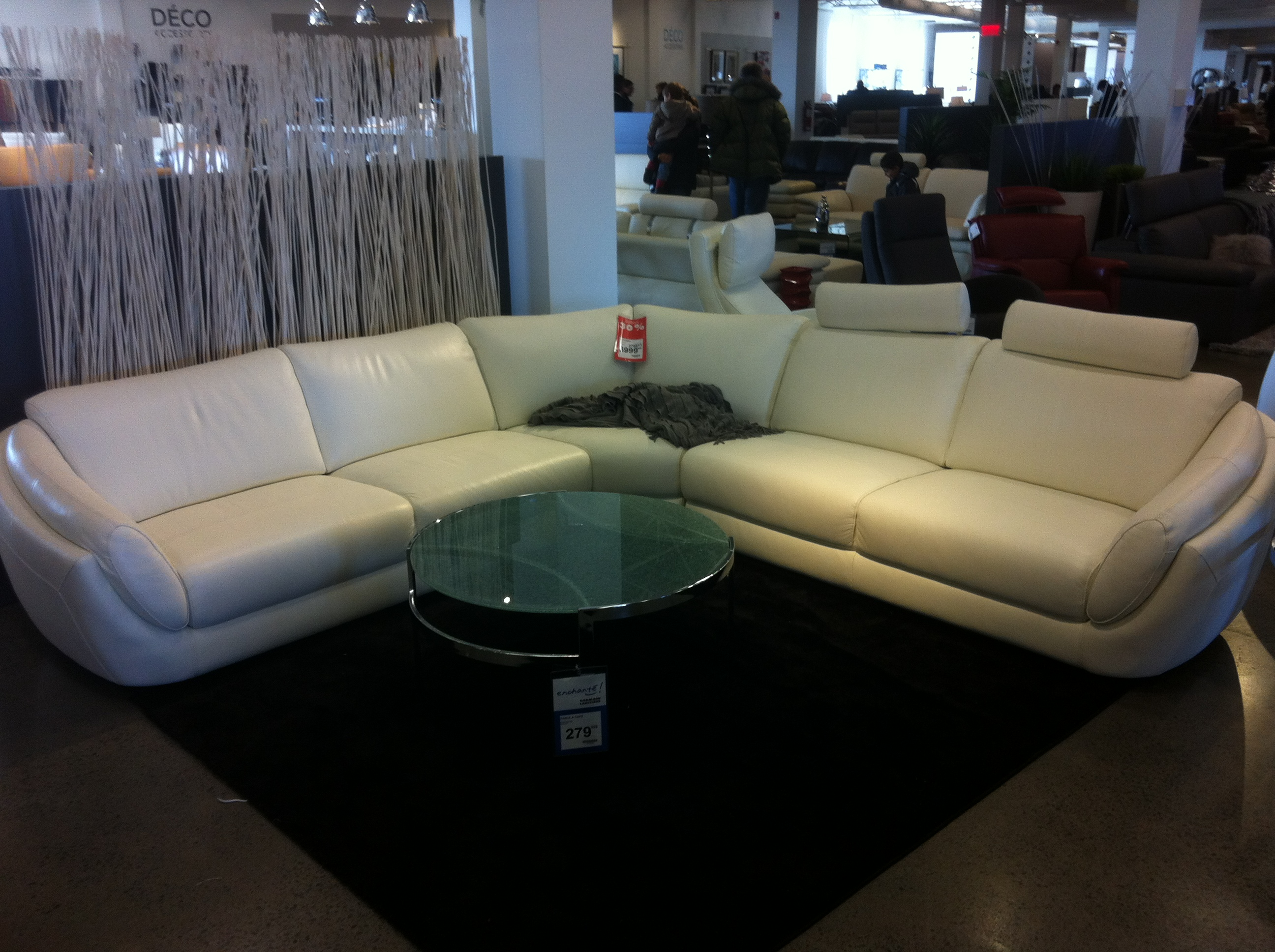 Sofa sectionnel a vendre quebec sofa the honoroak for Liquidation de sofa
